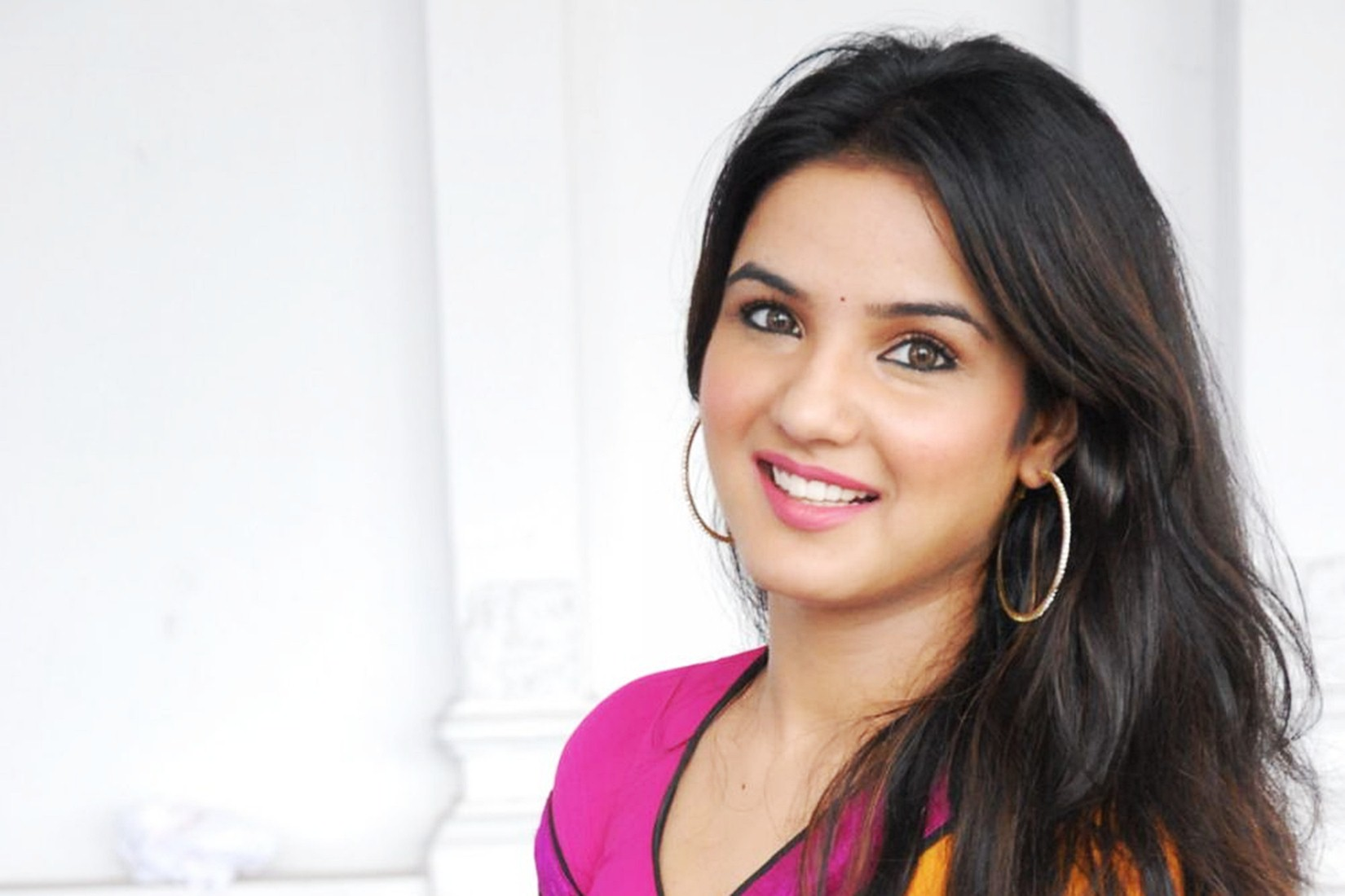 Jasmin Bhasin 2016 Wallpaper 02272