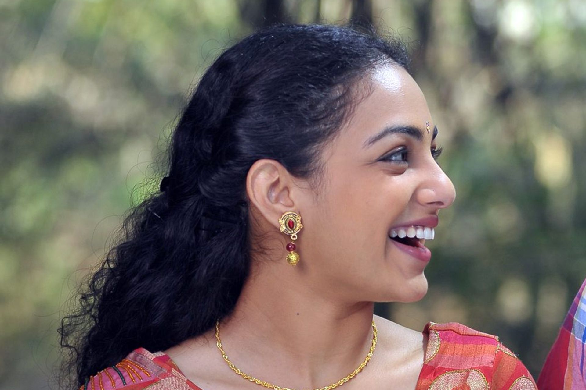 Nithya Menen Wallpaper 08655