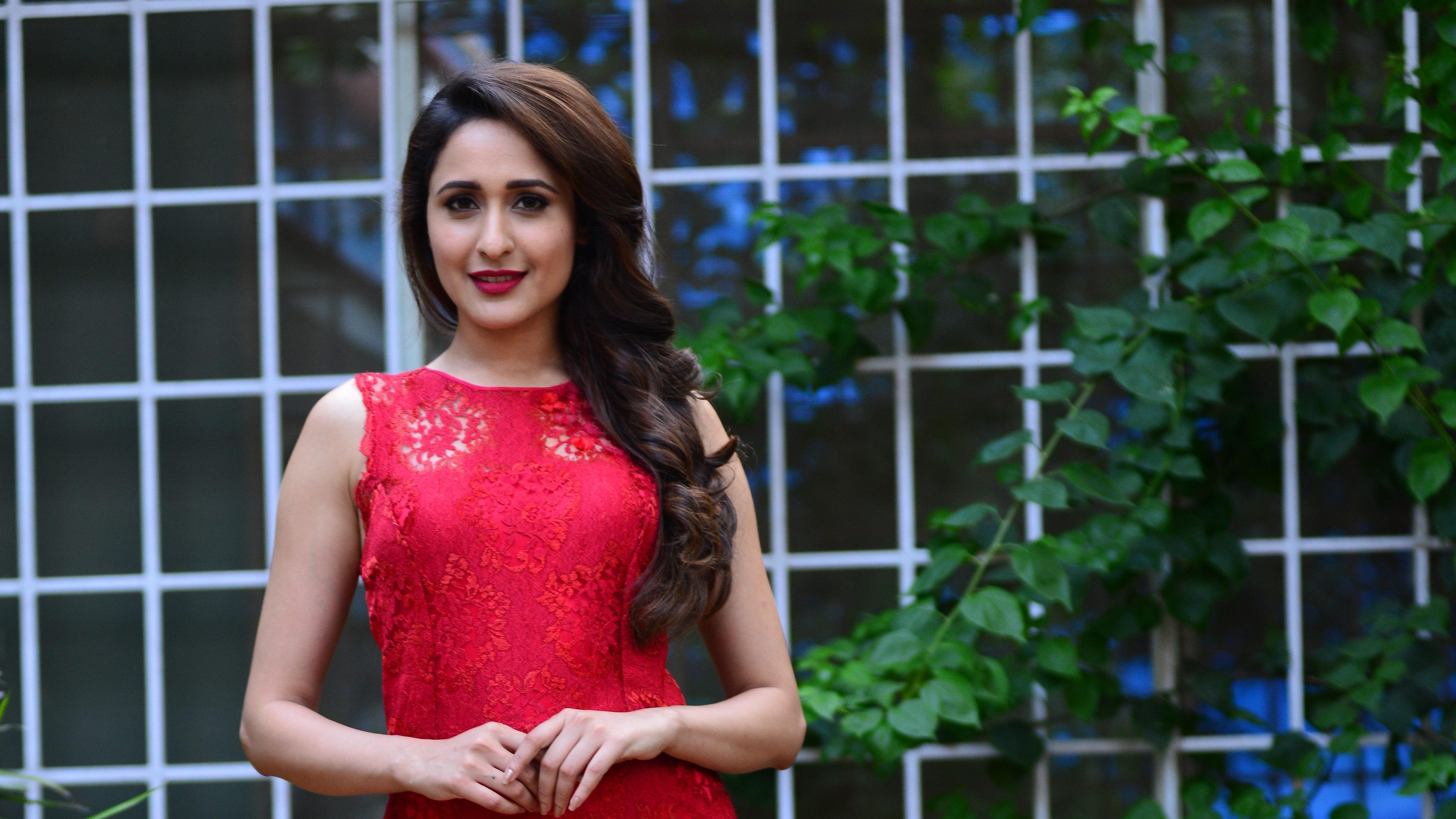 Pragya Jaiswal Hairstyle Wallpaper 14716