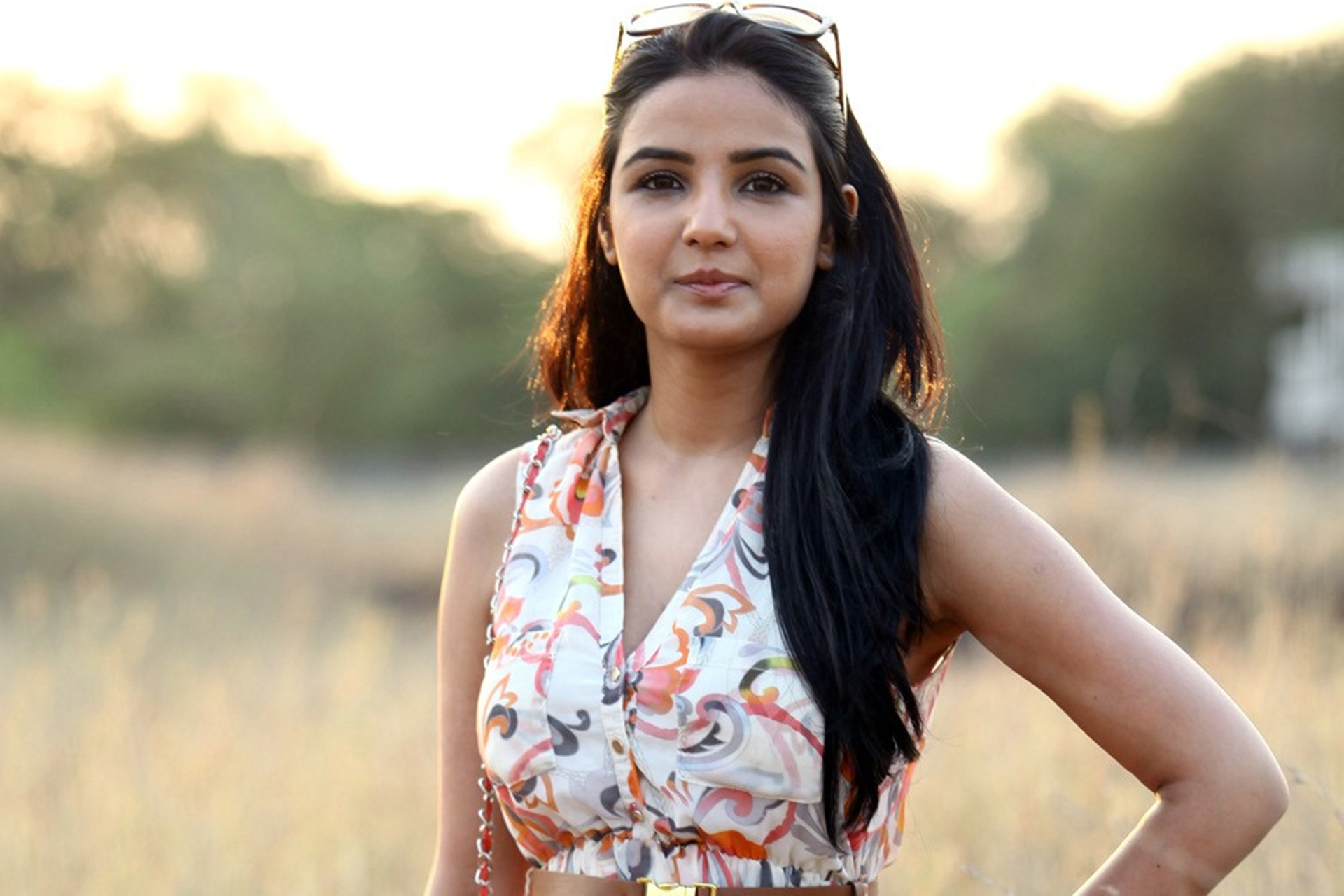 Jasmin Bhasin HD Wallpaper 21025