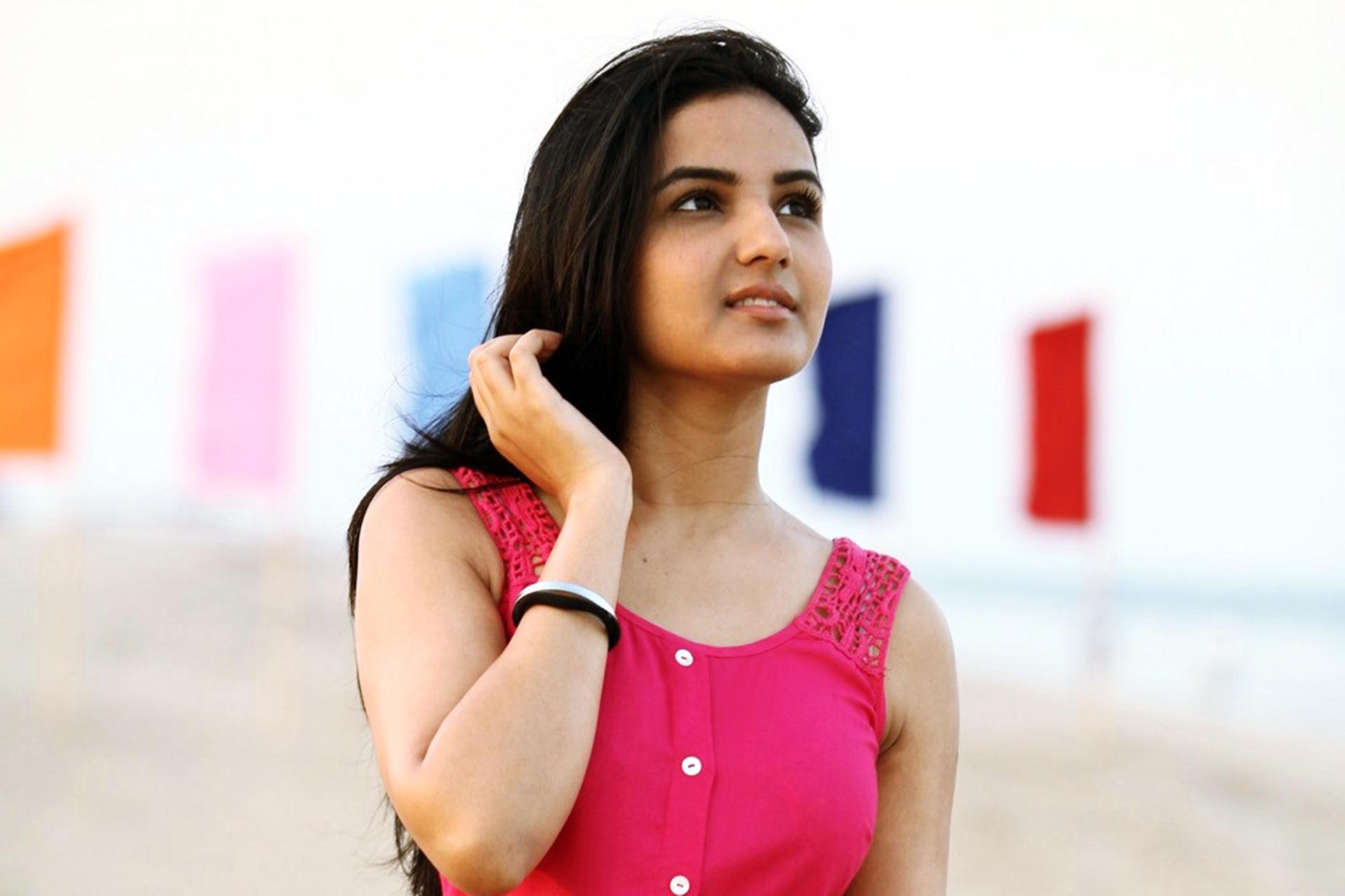 Jasmin Bhasin Wallpaper HD 21029